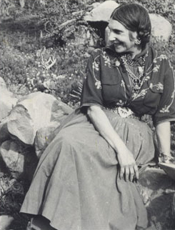 Beatrice Wood in Ojai, 1956